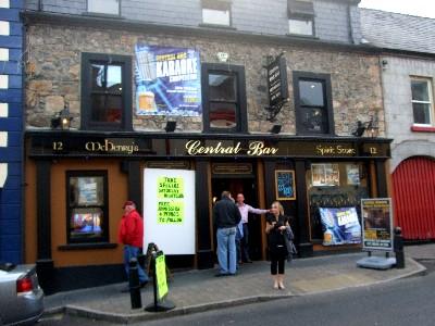 Ballycastle_centralbar_20090613