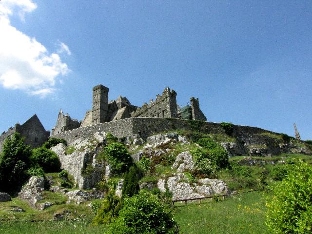 ロックオブキャッシェル キャッシェル アイルランド The Rock of Cashel, Cashel, Ireland 2009/06/0 Photo by Kohyuh
