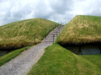 ノース遺跡 Knowth passage tombs