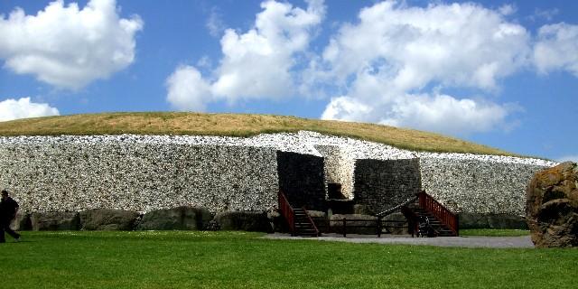 ニューグレンジ遺跡 Newgrange passage tombs