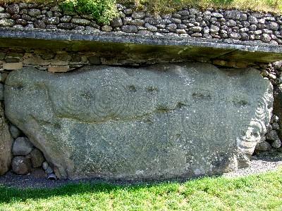 渦巻き模様のある縁石