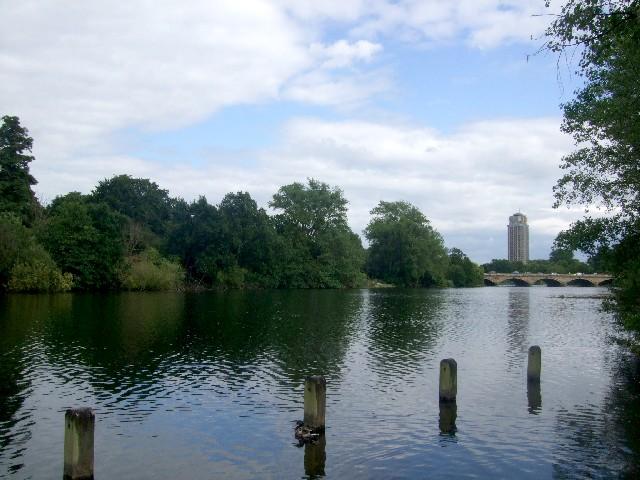 サーペンタイン湖 The Serpentine of Kensington Gardens 2009/06/20 Photo by Kohyuh