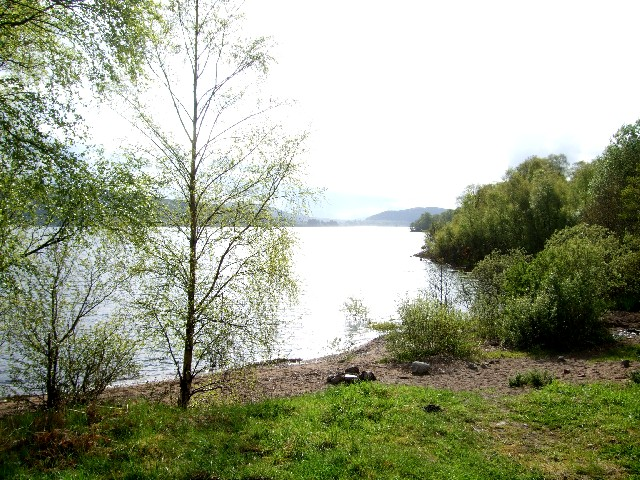 タンメル湖 クイーンズ・ビュー近郊 Loch Tummel near by Queen's view 2009/05/19 Photo by Kohyuh