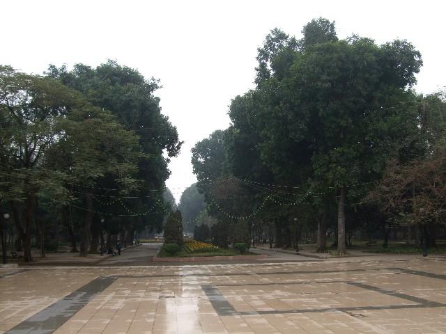トンニャット(統一)公園正面入口付近 ハノイ ベトナム Thong Nhat Park, Ha Noi, Vietnam 2010/01/20 Photo by Kohyuh