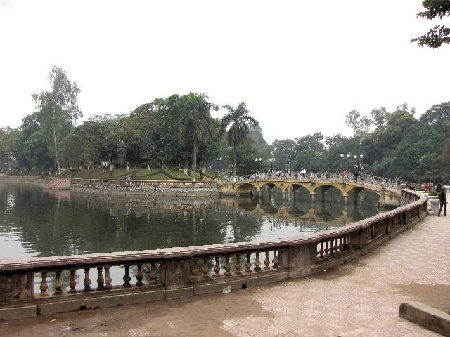 トゥーレー湖 Ho Thu Le