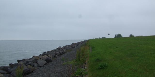 東バールデルス堤防北側の風景
