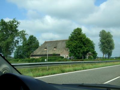 オランダ独特の農家 レーワルデン郊外 2011/06/06 Photo by Kohyuh