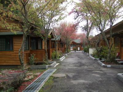 ロッジ Lodge もいろいろ ① オープンしていないロッジ 2012/02/29 Photo by Kohyuh