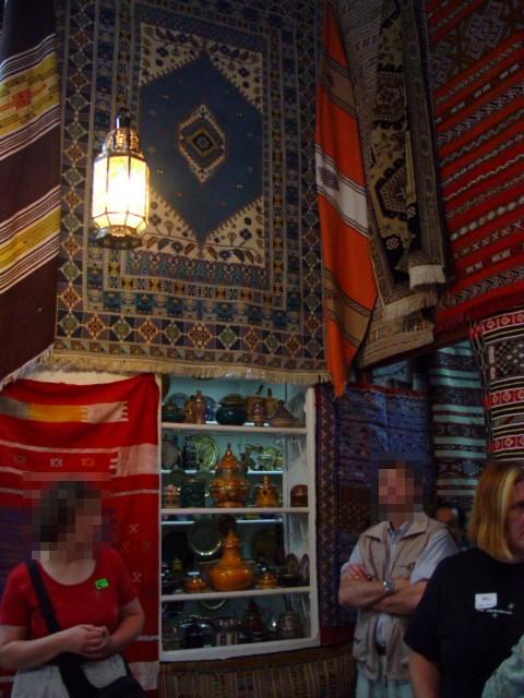 スークの絨毯のお店 モロッコ Morocco, 2005/05/07 Photo by Kohyuh