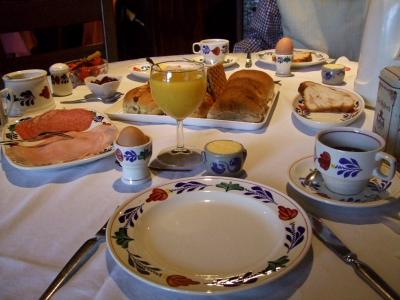 朝食のとき (2)