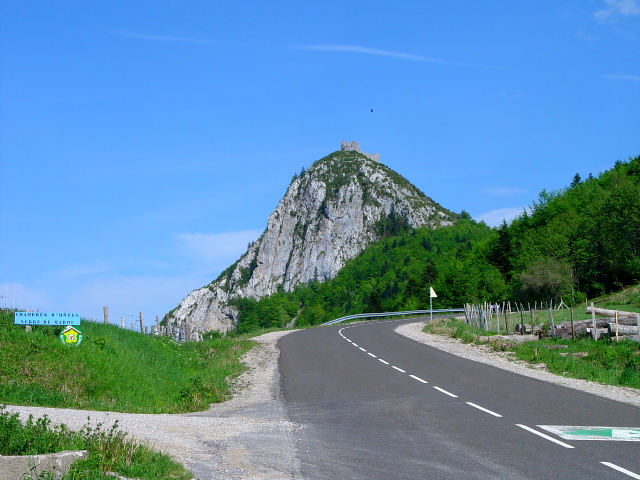モンセギュールに向かって (6景-5) bound to Montsegur,  Frabce, 2005/05/20