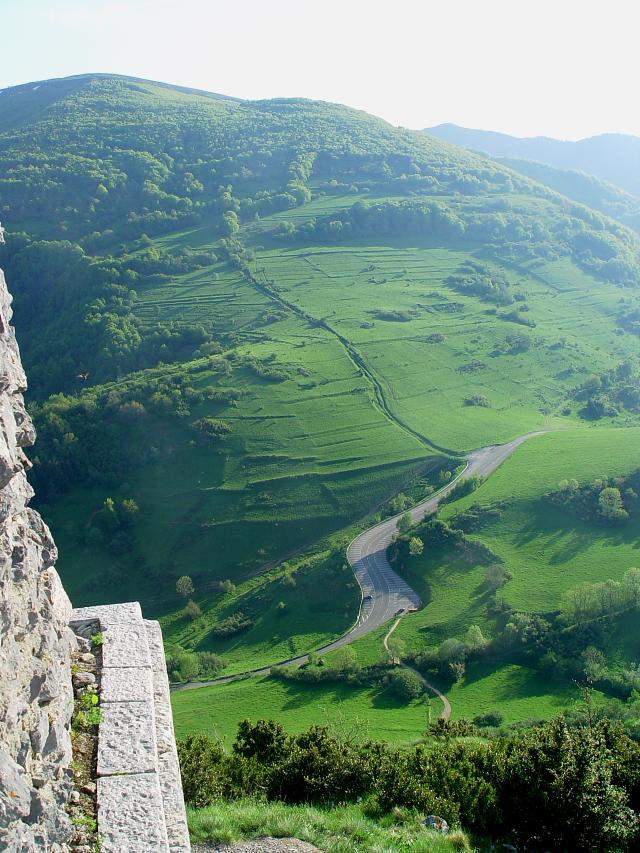 モンセギュール砦 The Fortress of Montsegur (12景-12) Montsegur, France 2005/05/20 Photo by Kohyuh